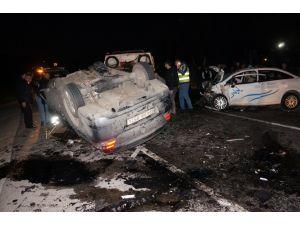 Beykoz'da iki otomobil çarpıştı: 3 ölü