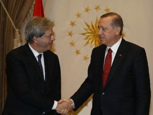 İtalya Dışişleri Bakanı Gentiloni Cumhurbaşkanlığı Külliyesi'nde