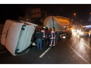 Beton tankeri kaza yaptı, E-5 trafiğe kapandı