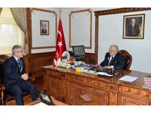 İl Defterdarı Yusuf Balcı Vali Necati Şentürk'ü Ziyaret Etti