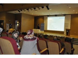 Dilovası Belediyesinde Sağlıklı Yaşam Konferansları Devam Ediyor