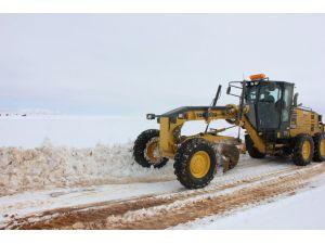 Sivas'ta 410 köy yolu ulaşıma açıldı