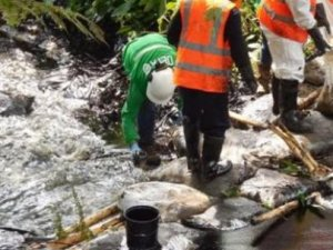 Nehirlerde 3 bin varil ham petrol akıyor