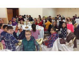 Fatih İlkokulu Okul Aile Birliği'nden Dayanışma Yemeği