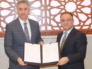 Elazığ Belediyesi İle İş-kur Arasında İşbirliği Protokolü İmzalandı