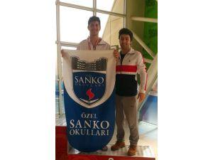 Özel Sanko Okulları Öğrencilerinin Yüzmede Bölge Derecesi