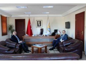 Arifiye Kaymakamından Başkan Karakullukçu'ya Ziyaret
