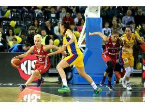 Turkcell, Kadın Basketbol Milli Takımlarının Ana Sponsoru Oldu
