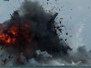Endonezya'da yasadışı balık avlayan tekneler batırıldı