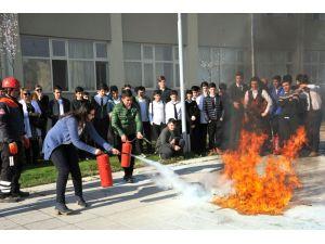 Güle oynaya yangın tatbikatı