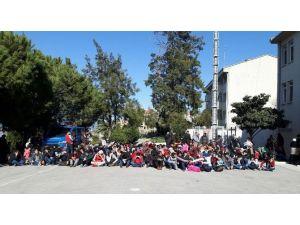 İzmir'de 592 Sığınmacı Yakalandı, 17 Organizatör Gözaltında