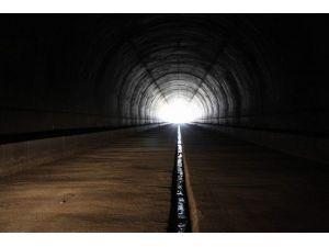 Türkiye'nin En Uzun Yht Tüneli Işığa Kavuşuyor