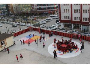 Cihanbeyli'de Okullara Oyun Alanları Çiziliyor