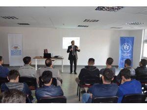 Kahta'da Öğrencilere Motivasyon Semineri Verildi