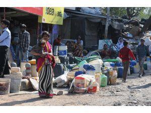 Hindistan'da göstericiler kanalı kapatınca, 17 milyon kişi susuz kaldı