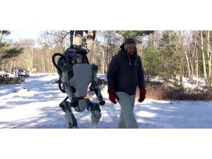 Google'ın insansı robotu Atlas özgürlüğüne kavuştu