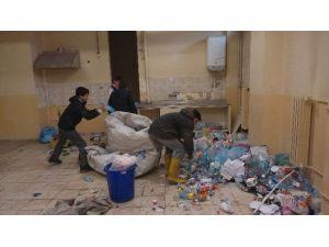Öğrenciler Atıkları Geri Dönüşüme Kazandırdı