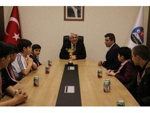 Kick Boks Takımından Karaçanta'ya Ziyaret