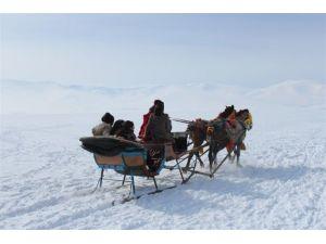 Kaymakam TEOG´ta Başarılı Olan Öğrencileri Kayak Gezisi İle Ödüllendirdi