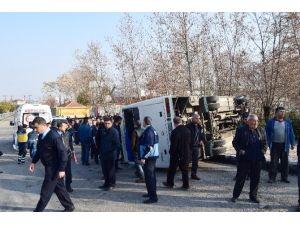 Malatya'da İşçi Servisi Devrildi: 4 Yaralı