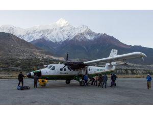 Nepal'de kaybolan uçak bulundu: 23 ölü