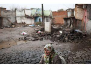 Sur'da yaşayan Makbule Teyze'nin feryadı