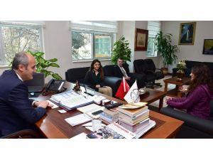 Lise Öğrencileri Başkan Okay İle Röportaj Yaptı