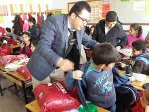 Büyük Anadolu Kardeşlik Derneği Öğrencilere Yardım Elini Uzattı