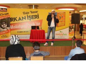 """Yazar Erkan İşeri AVM""""de Hayranlarıyla Buluştu"""