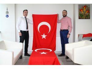 Terörü protesto için Samsun'dan Şırnak'a Türk bayrağı gönderildi
