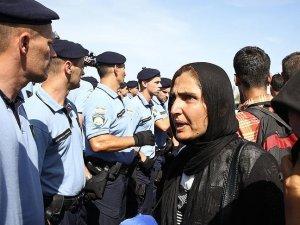 Macaristan AB sığınmacı kotasını referanduma götürüyor