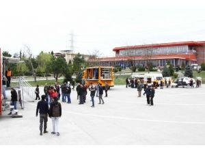SAÜ'lü Öğrenciler Deprem Deneyimi Yaşadı