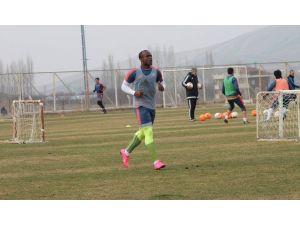 Alima Yeni Malatyaspor'da Akpabıo Yeniden İdmanlara Çıkmaya Başladı