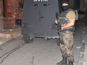 İstanbul Polisi, Kırmızı Alarma Verdi! Tesettürlü Erkek Aranıyor