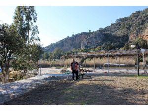 Ortaca Belediyesi Kaunos Çay Bahçesini Yenileniyor