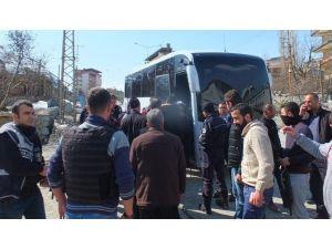 Hakkari'de Cenaze Konvoyuna Polis Müdahalesi