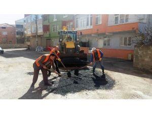 Bafra'da Bozulan Yollara Yama Çalışmaları Başladı
