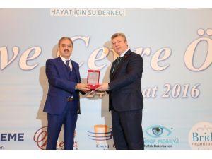 Haysu'dan Başkan Dinç'e Ödül