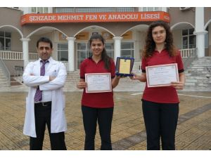 Manisa Özel Şehzade Mehmet öğrencileri BilFest'te Türkiye üçüncüsü oldu