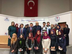 Ünlü Tarihçi Bahadıroğlu Yalovalı Gençlerle Buluştu
