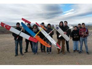 Genç Havacılar Uçuşlara Başladı