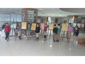 Özel İrfan Okulları'nın minik öğrencileri ebru sergisi açtı