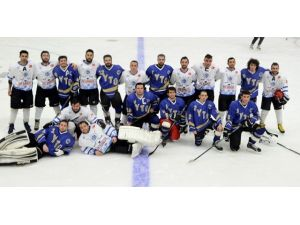 ETÜ Buz Hokeyi Takımı'nın Büyük Başarısı