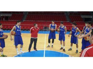 Basketbolda U17 Yıldız Erkek Milli Takımı Kampa Girdi