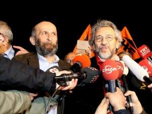 Can Dündar ve Erdem Gül 92 Gün Sonra Özgür! İlk Mesaj Erdoğan'a