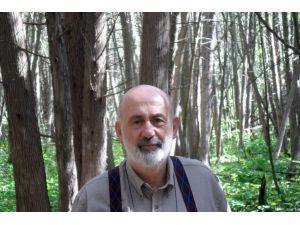 Prof. Dr. Uyar: Türkiye'de yenilenebilir enerji yatırımları yerinde sayıyor