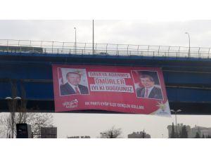 Cumhurbaşkanı ve Başbakan için doğum günü pankartı