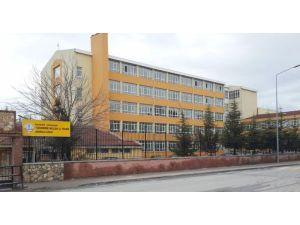 Güvenliği gerekçe gösterdi, okula kartlı giriş sistemi başlattı