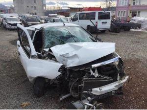 Kazada Yaralanan Kadın Öldü