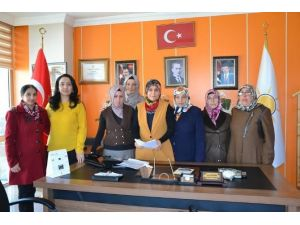 AK Parti Ardahan Kadın Kolları Hocalı Katliamını Kınadı